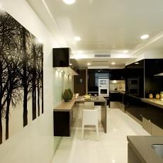 精选面积97平现代三居厨房装修图片