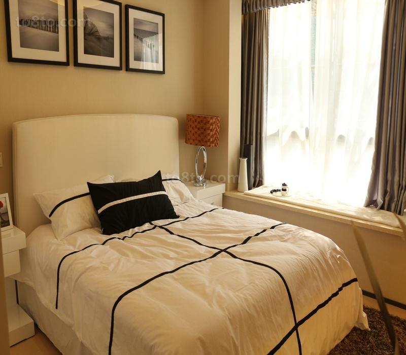 小卧室飘窗装修效果图欣赏