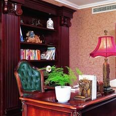 美式别墅书房书桌效果图