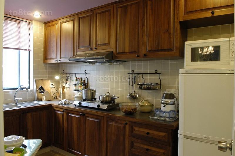 家庭厨房实木橱柜效果图